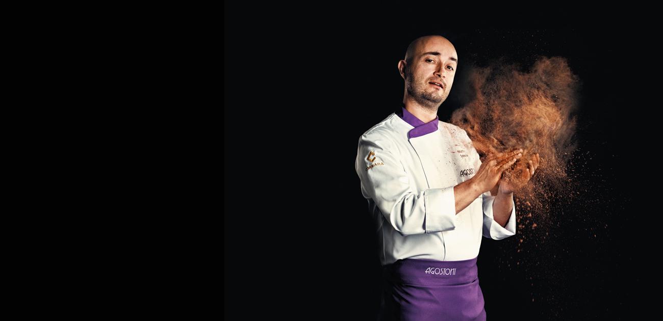 Quando la passione e l'esperienza lavorano insieme, possiamo aspettarci solo un capolavoro. Da 70 anni Icam Linea Professionale e Agostoni ispirano la creatività di pasticcieri, cioccolatieri e gelatieri di tutto il mondo. Ripartiamo dall'origine del gusto. Ripartiamo dal cioccolato italiano.