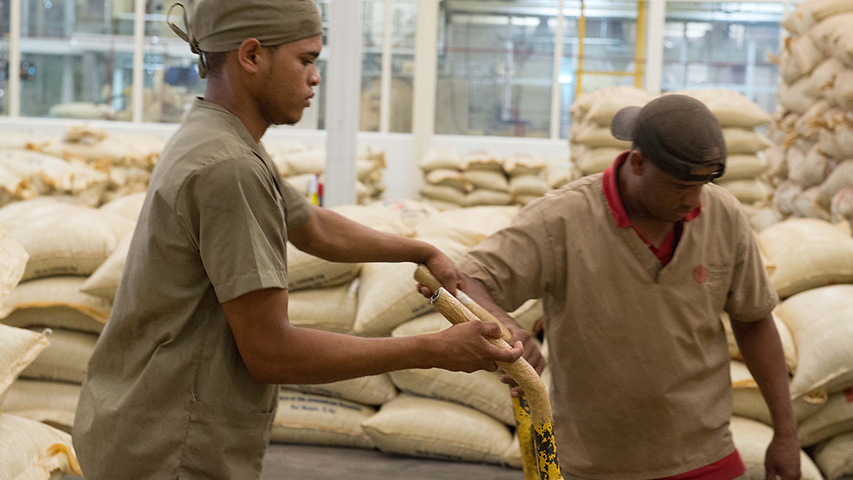 Dominican Republic: partnership with farmers