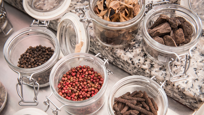 """Ernst Knam: a journey through spices and chocolate"""